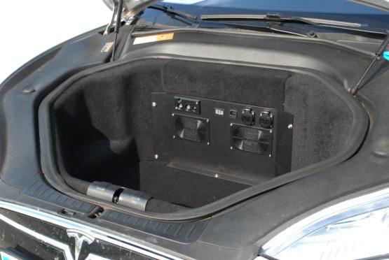 [PB2-T] Power bank for Model S